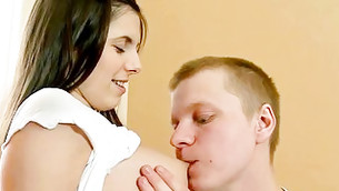 This chap knows how to make his girlfriend trembling from kisses